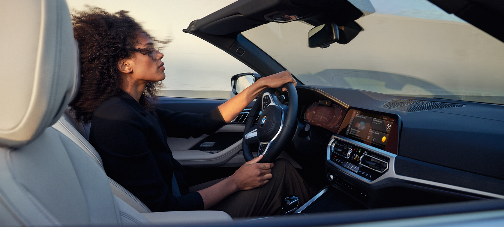 BMW Seria 4 Cabriolet Femeie la Volan