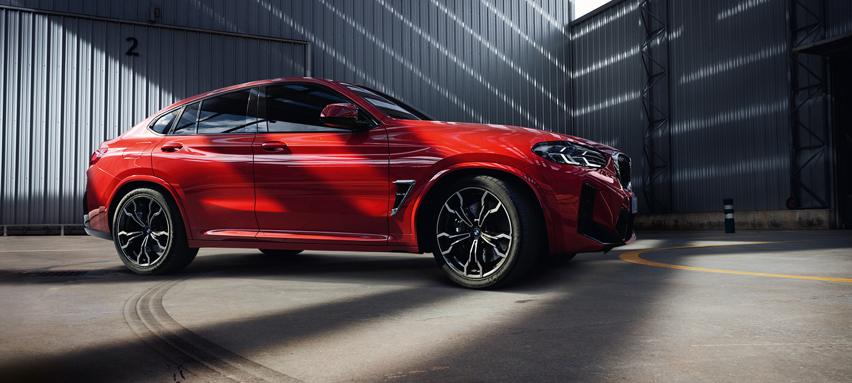 BMW X4 M Design Lateral